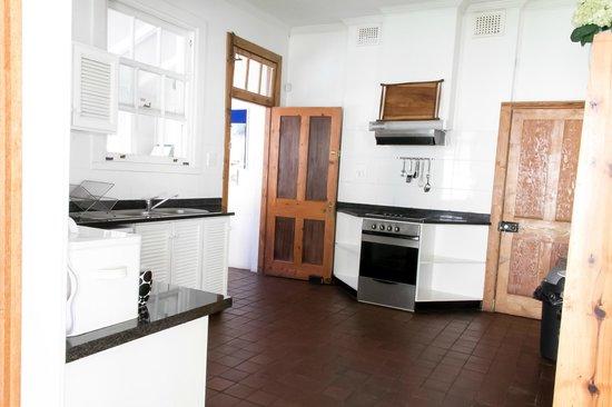 Coweys Corner: Kitchen