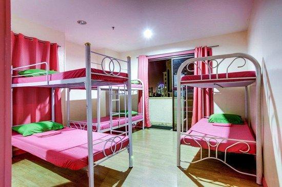 Pink Manila Hostel: Drom Room