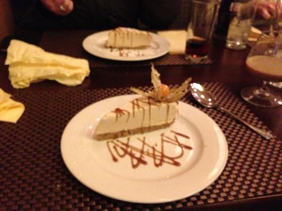 The Farmer's Kitchen Hotel: mmm baileys cheesecake