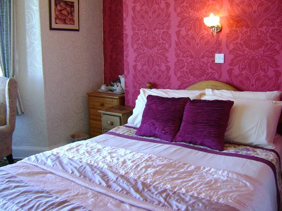 Wharncliffe Hotel: Room 8