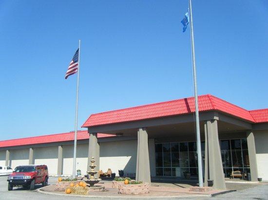 Ramada Oklahoma City Near Bricktown: Exterior