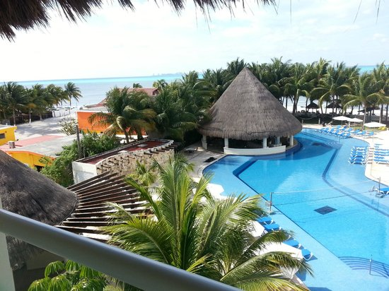 Isla Mujeres Palace: Hotel View from Balcony