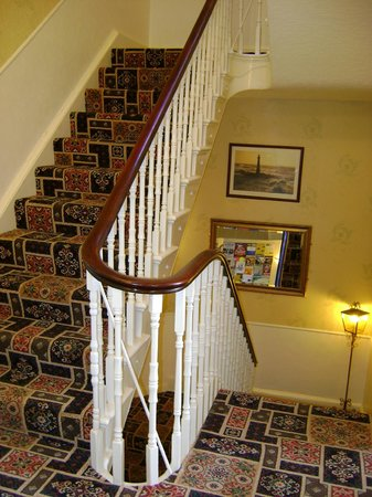 Wharncliffe Hotel: Staircase