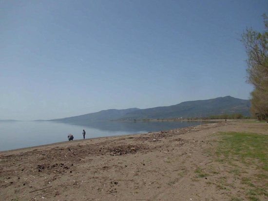 Skala Kallonis, Yunani: The western side of the beach