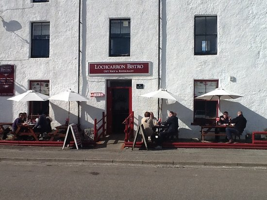 Lochcarron Bistro: Lovely sunny day........