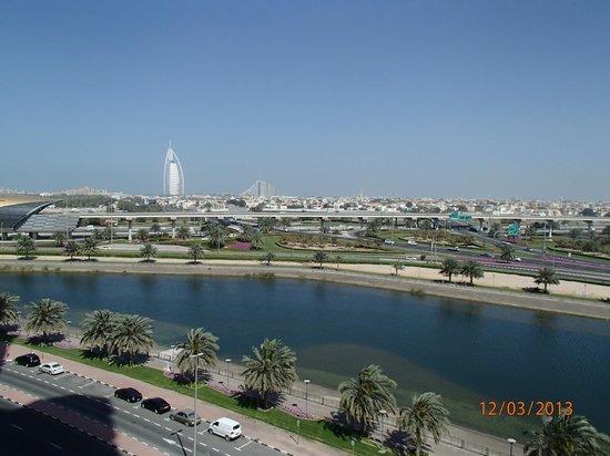 Sheraton Dubai Mall of the Emirates Hotel: widok z tarasu śniadaniowego
