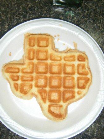 Sleep Inn & Suites: Breakfast - waffles