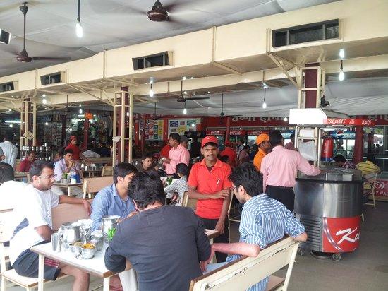 Sonipat, India: Inside Sukhdev Dhaba