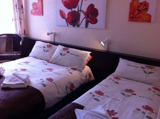 Helmshore Hotel: Family Room