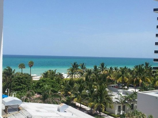 Best Western Plus Atlantic Beach Resort: The view from our room-Miami Beach