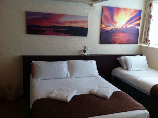 Helmshore Hotel : Family Room 2+2