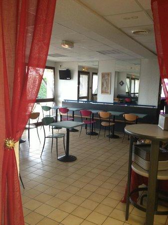 Hotel Crocus Dieppe : Salle des Petits-déjeuners