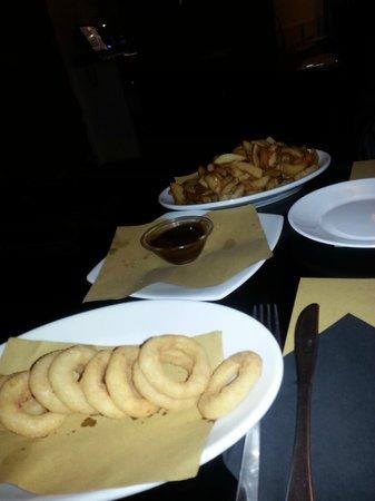 Ninnetti : Onion's ring e patatine fritte fresche