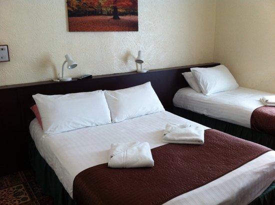Helmshore Hotel : Family Room