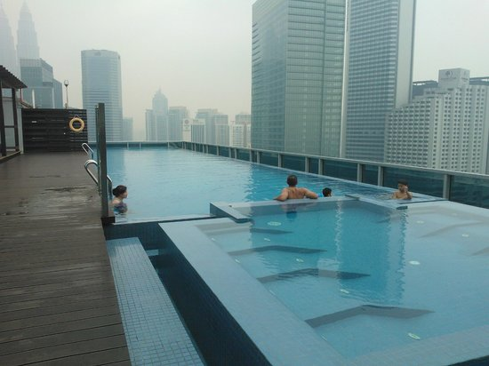 Somerset Ampang Kuala Lumpur: Pool view by day (usual smoggy day)