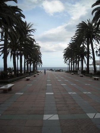 Hotel Los Arcos : the beach centre in Nieja