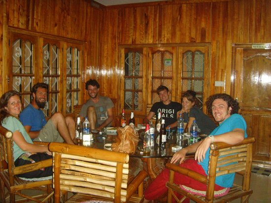 Periyar Seven Hills Homestay : the outside porch area. very sociable