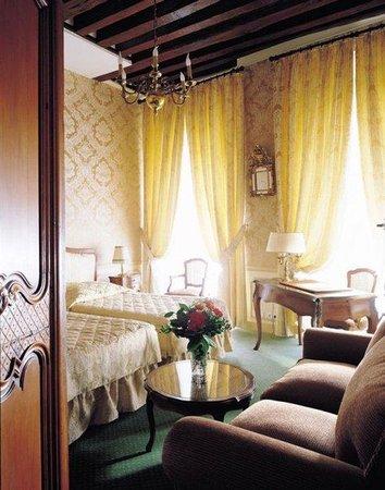Hotel d'Angleterre, Saint Germain des Pres: Hemingway's Room