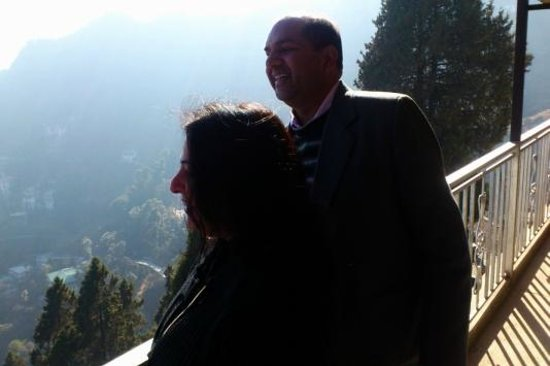 Hotel Sun N Snow Mussoorie: outside the rooftop restaurant