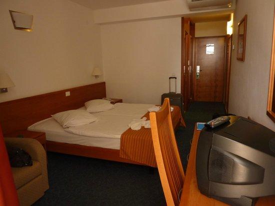 SENTIDO Bluesun Berulia: Our room