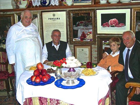 Quistello, Italia: Ambasciata with Luca, Carlo & Romano