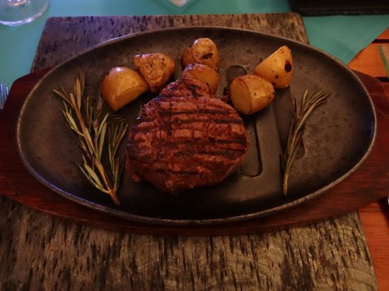 Kuramathi Island Resort: filet Angus