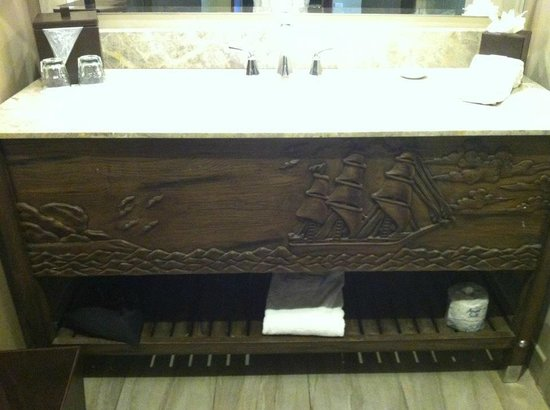 The Bohemian Hotel Savannah Riverfront, Autograph Collection: Very Cool Vanity