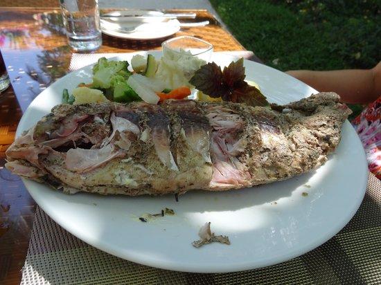 Kuramathi Island Resort: poisson grillé