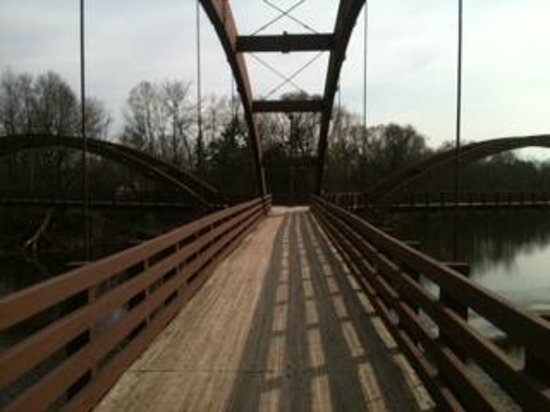 The H Hotel : The Tridge leading to the nature trail