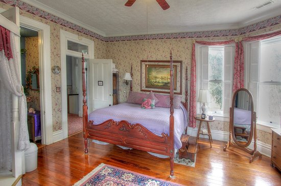 victorian house furniture. victorian house bed and breakfast furniture