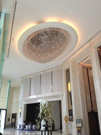 Grande Centre Point Terminal 21: Hotel Lobby