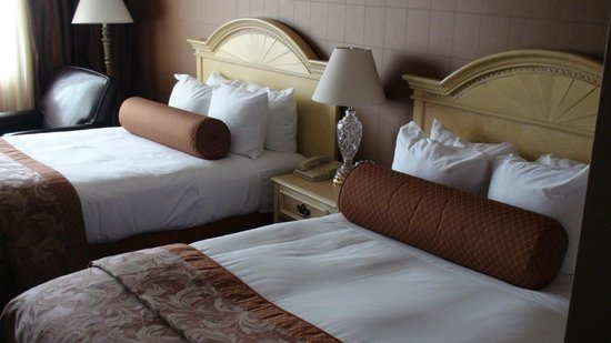 هيلتون فيلادلفيا سيتي أفينو: Our Beds Upon Arrival