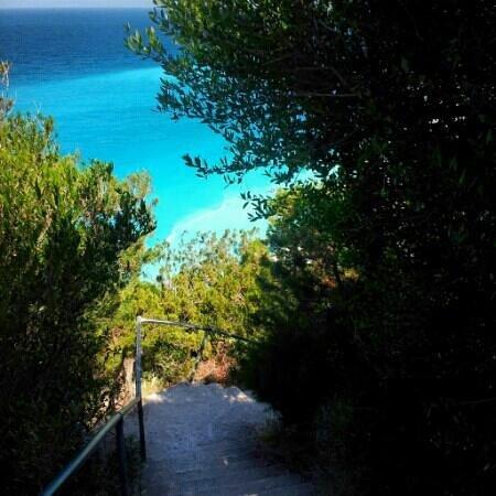 Strand von Egremni: stairs to paradise...