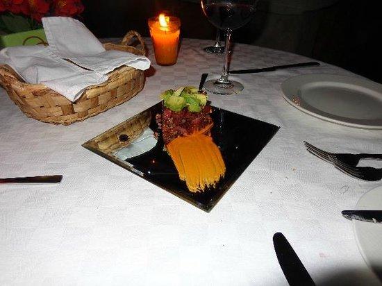 Casa Palopo: Tuna Tartar appetizer-amazing presentation!