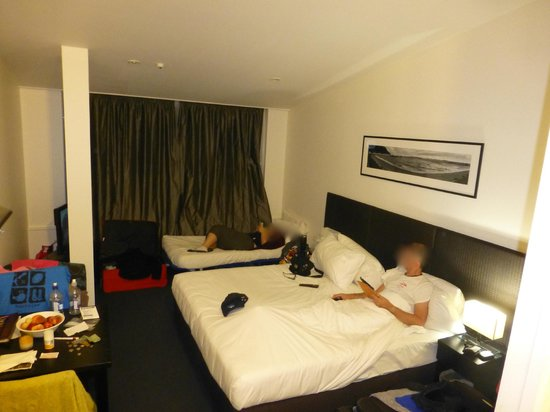 Gilmer Apartment Hotel: Our room