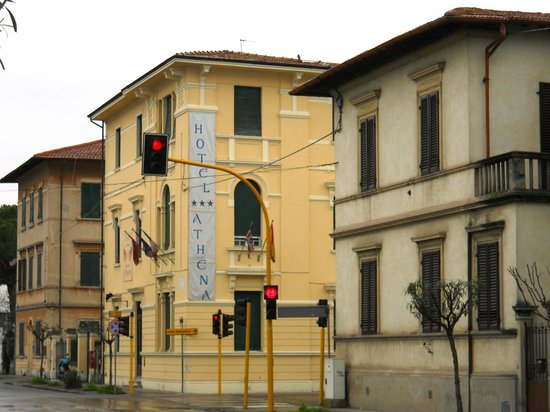 Hotel and street view - Picture of Hotel Soggiorno Athena, Pisa ...