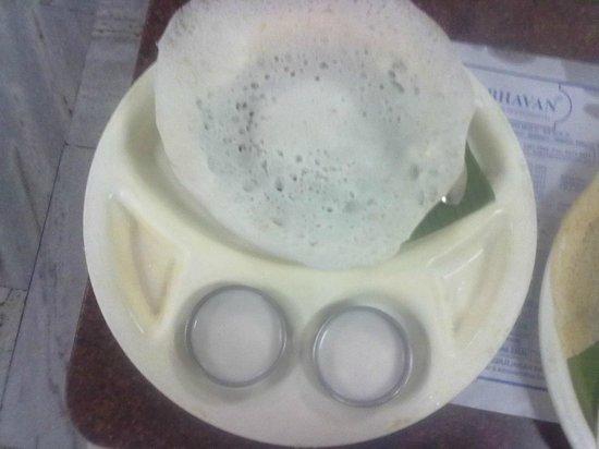 Hotel Saravana Bhavan : appam with sweet coconut milk