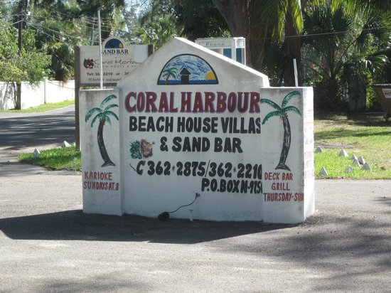 Coral Harbour Beach House and Villas: Info.
