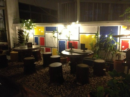 Sukhumvit On Nut Guesthouse: outside area