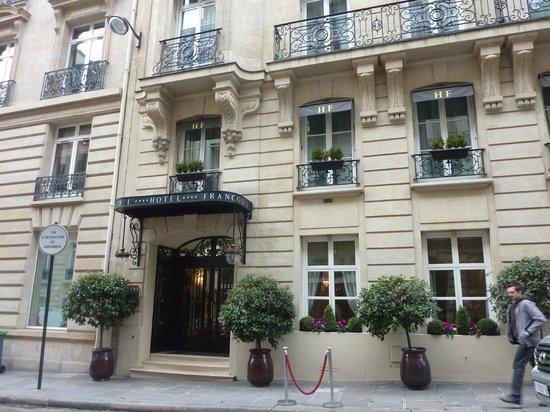 Hotel Francois 1er: здание отеля