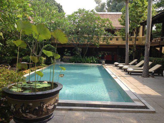 Ndol Streamside Thai Villas: Pool