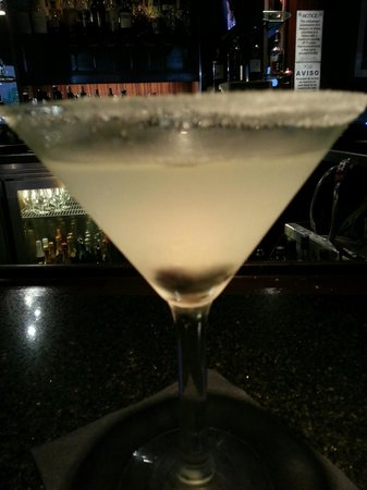 Sullivan's Steakhouse: Lemon Blueberry Drop Martini