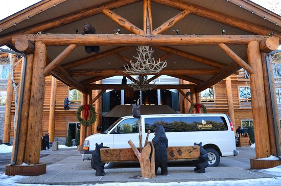 The Lodge at Jackson Hole: Front of Lodge