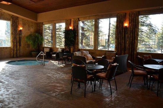 The Lodge at Jackson Hole: Indoor hot tub