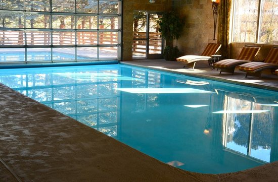 The Lodge at Jackson Hole: Indoor/outdoor pool
