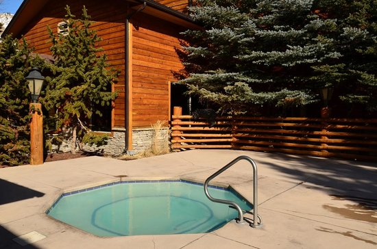 The Lodge at Jackson Hole: Outdoor hot tub - with bubbles