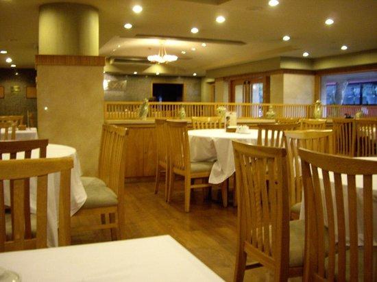 Galaxy Hotel Hanoi: レストラン