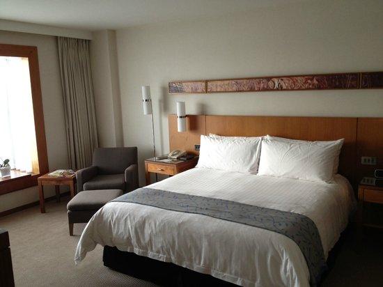 Canary Riverside Plaza Hotel: Bedroom
