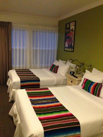 Agave Inn: 2 queen beds