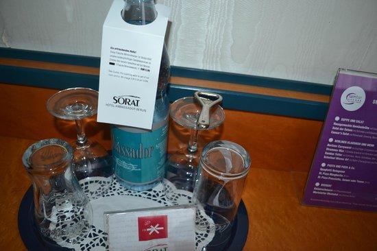 SORAT Hotel Ambassador Berlin: Room service